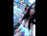 可愛い素人美少女が海で自撮り配信しほぼオッパイ出ちゃってる件!!![ライブチャット動画まとめ]
