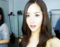 《ライブチャット》韓国美女が大股開いて手マンオナニーを配信しちゃってます!!!